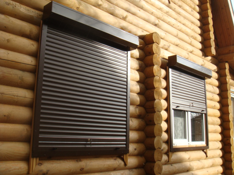 роллеты на деревянных домах